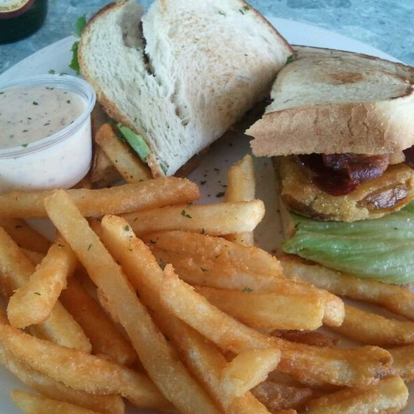Fried Green Tomato BLT @ Rag Tyme Grille