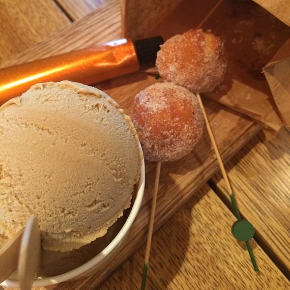 Baby Donuts @ Highball & Harvest - The Ritz-Carlton Orlando, Grande Lakes