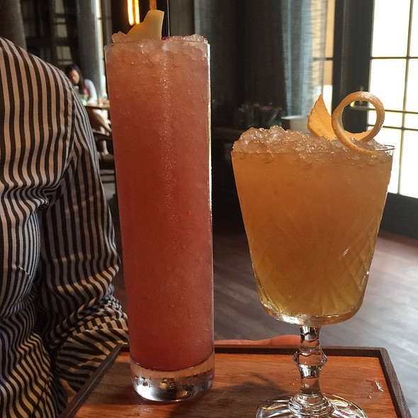 Cranberrry Cobbler Drink @ Highball & Harvest - The Ritz-Carlton Orlando, Grande Lakes