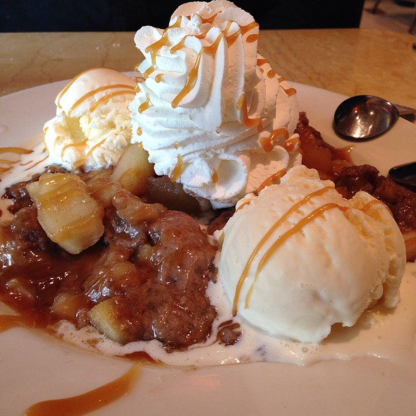 Warm Apple Crisp @ The Cheesecake Factory