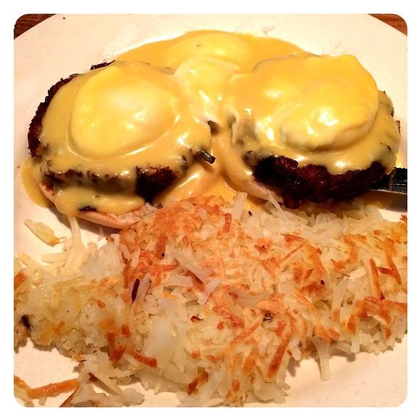 Crab Cake Eggs Benedict @ Cafe Miele