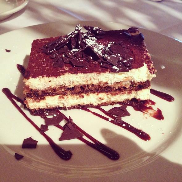 Tiramisu @ Maggiano's Little Italy