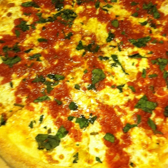 Margarita Pizza @ Cranbury Pizza