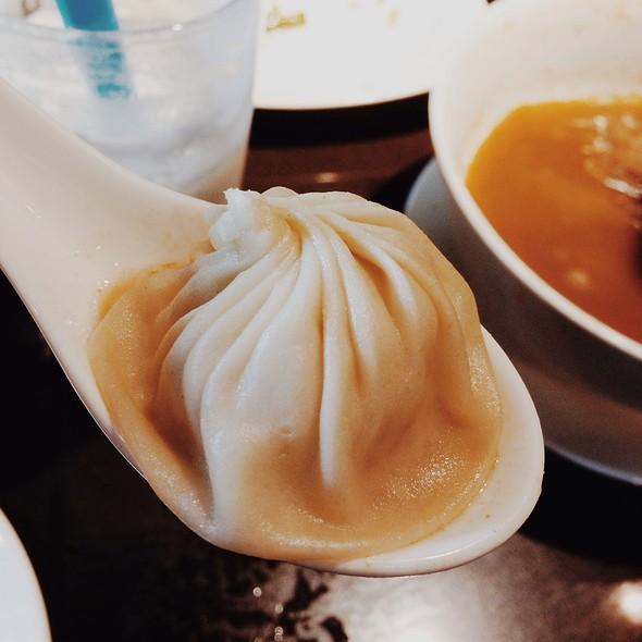 Juicy Pork Dumplings @ Din Tai Fung University Village