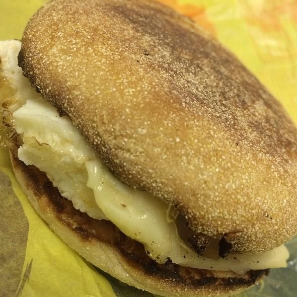 Egg White Delite Mcmuffin @ Mcdonald's
