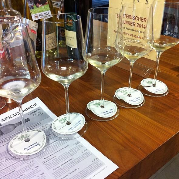 Wine Tasting @ Weingut Brolli - Arkadenhof