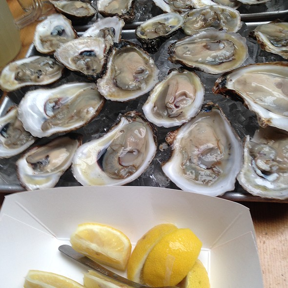 Oysters @ Lobster Joint