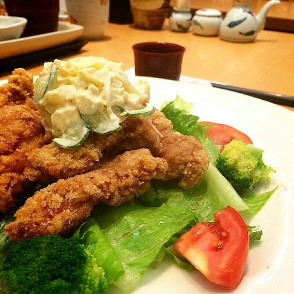 Deep-Fried Chicken Salad @ Ootoya (Central Pinklao)