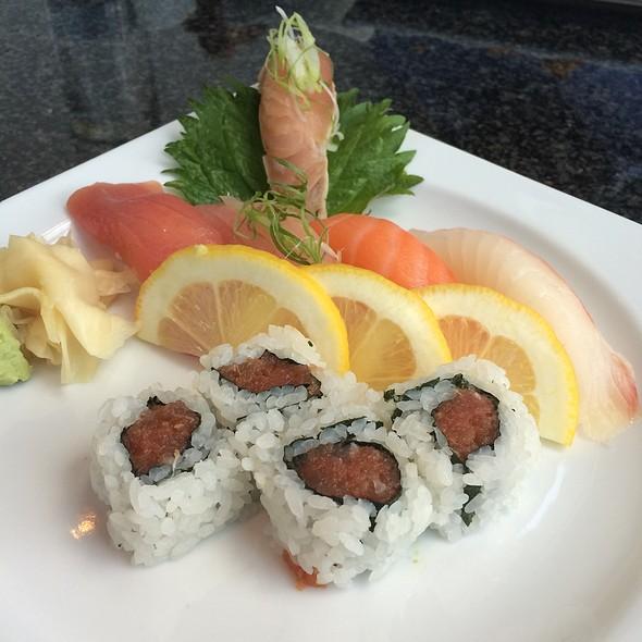 Small Sushi Sampler