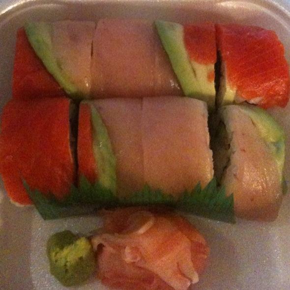 Rainbow Roll @ Naomi Sushi
