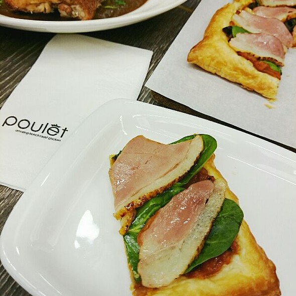 Smoked Duck Pizza @ Poulet (Terminal 3)
