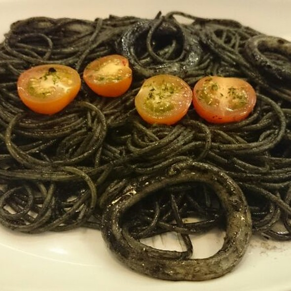 Spaghetti Squid Ink @ Miam Miam