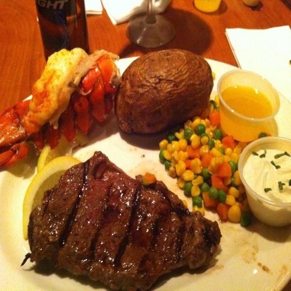 lucky casino steak and lobster