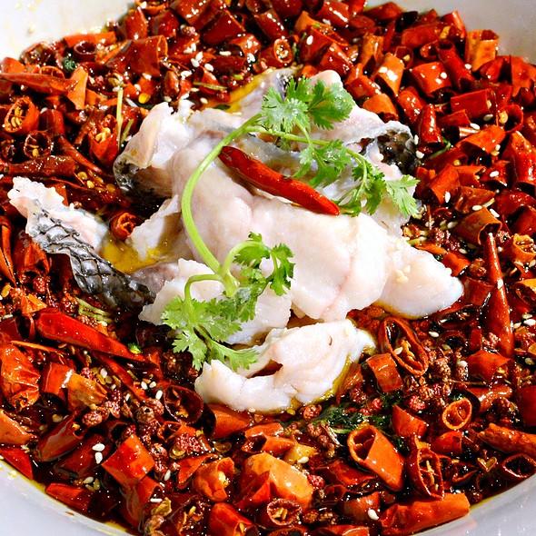 飄香石斑魚塊,Garoupa Fillet with Chilli,Numbing Pepper Corn & Hot Chilli Oil @ 滿堂彩 Beijing Kitchen