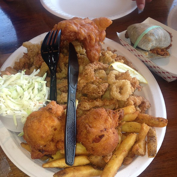 Fisherman's Platter And Quahog