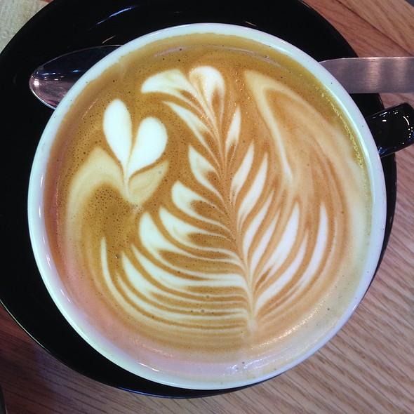 Flat White @ Brunswick Cafe