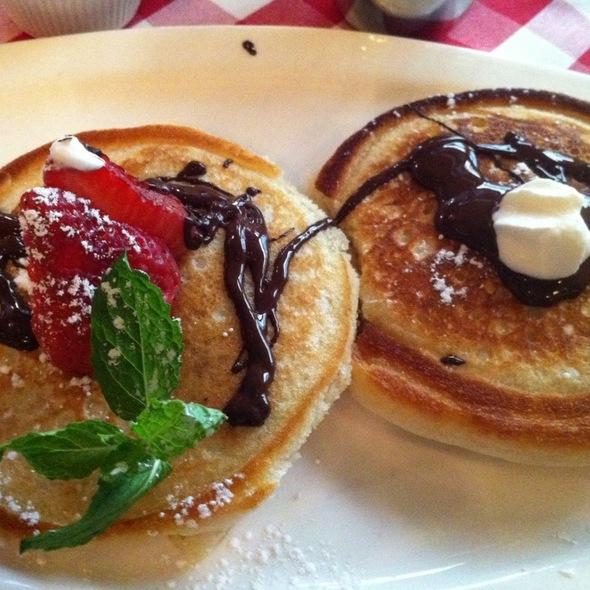 Pancakes Au Chocolat @ Saju Bistro
