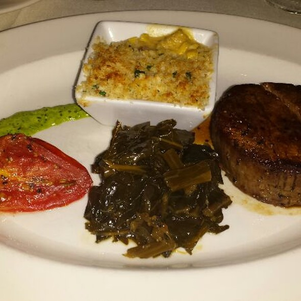 Petite Filet 8 Oz - Halls Chophouse, Charleston, SC