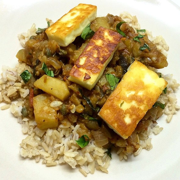 Ratatouille Over Brown Rice, Topped With Pan-Fried Halloumi @ The Mistress Of Spices (Chez Moi)