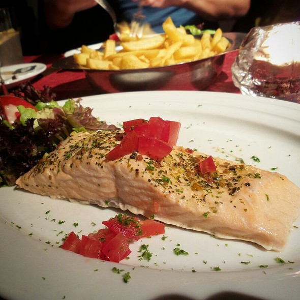 Salmon With Estragon Sauce @ Fonteintje