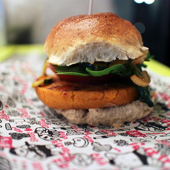 Vegan Burger @ Angry Chicken