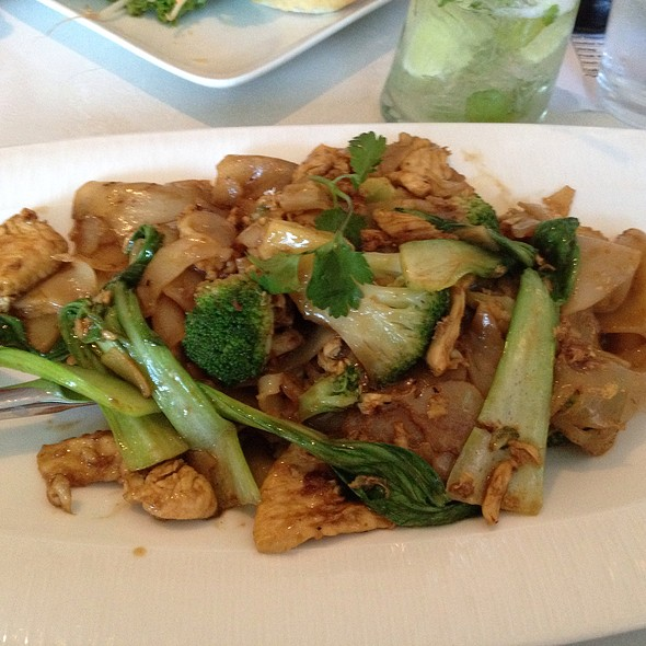 Pad See Iew @ Asian Mint