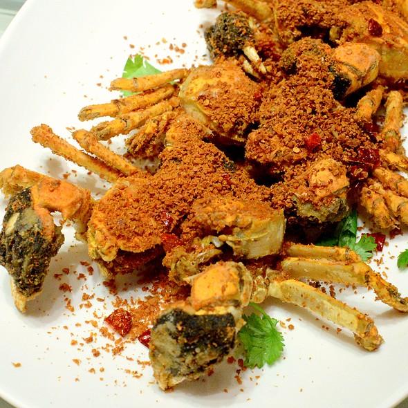 豆酥大閘蟹,Deep-fried Hairy Crab with Bean Flour @ Dong Lai Shun 東來順