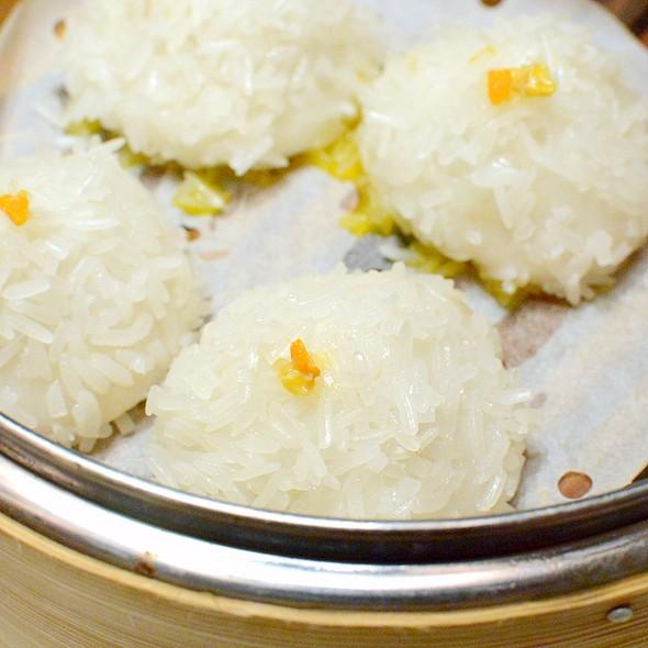 蟹粉粢毛糰,Steamed Glutinous Rice filled with Crab Roes @ Dong Lai Shun 東來順