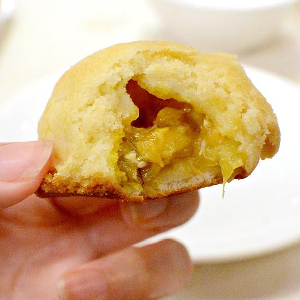 蟹粉菠蘿包,Baked Crab Roes Pineapple Bun @ Dong Lai Shun 東來順