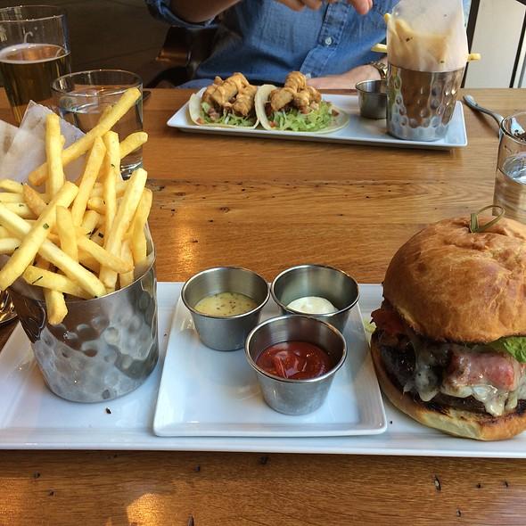 Catalyst Burger - Catalyst Restaurant, Cambridge, MA