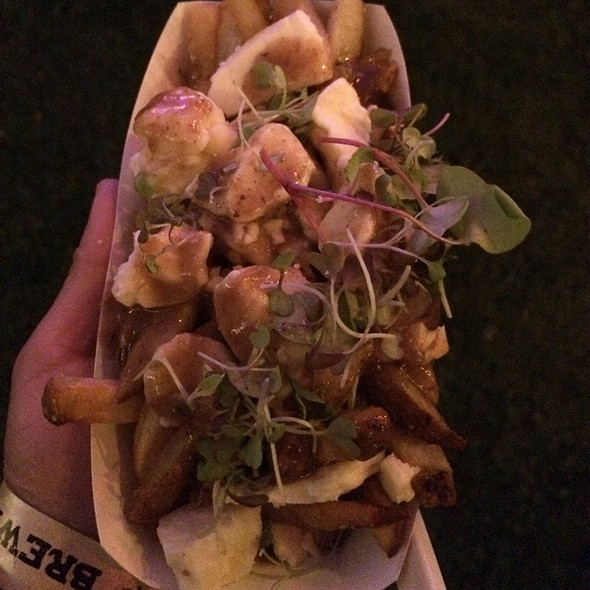 Poutine With Grass Fed Beef Gravy And Fresh Cheese Curds