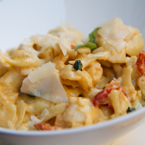 Cheese tortellini @ House of Oliver