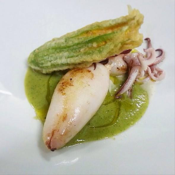 Calamaro Ripieno Di Bufala Con Fonduta Di Zucchine E Fiore Croccante @ Pinturicchio40