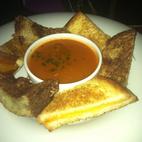 Grilled Cheese & Tomato Soup @ Town Hall