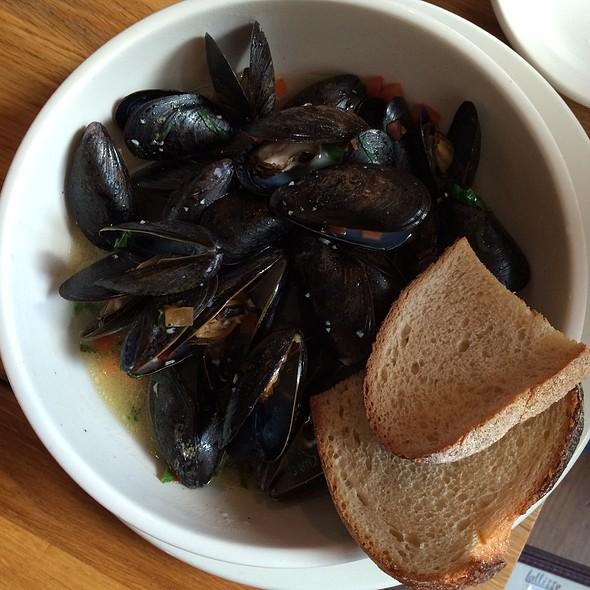 Mediterranean Mussels - Lallisse Mediterranean Wine & Food, New York, NY