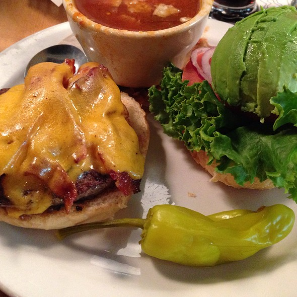 All Natural Cheeseburger With Bacon And Avocado @ Vine Street Pub
