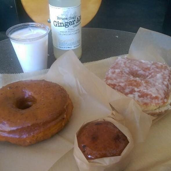 Coconut Lime Donut @ Doughnut Plant