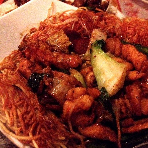 Pan Fried Noodles @ Shanghai Inn