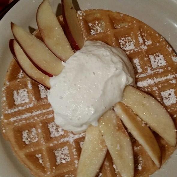 Waffle e Frutta - Red Gravy, New Orleans, LA