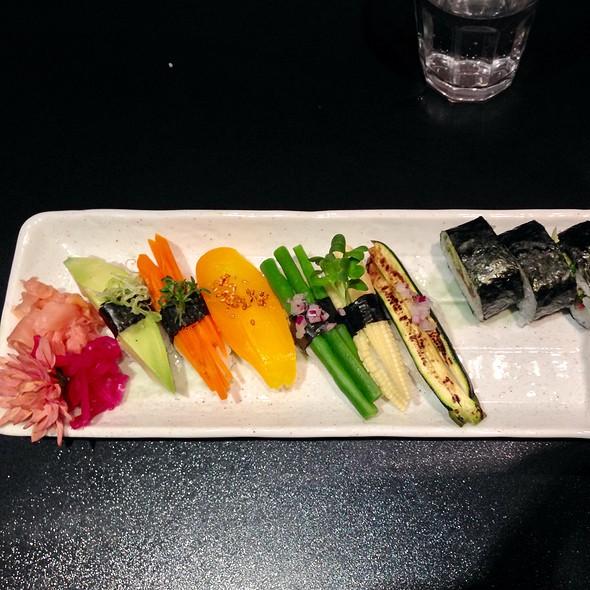 Vegan 10 Bitar @ Samba Sushi AB