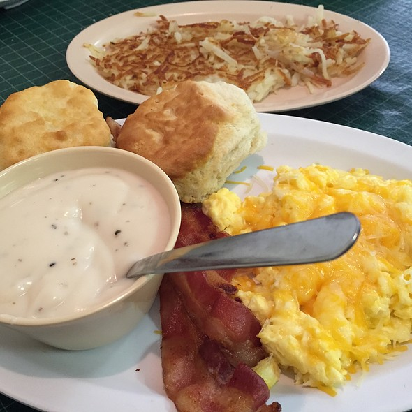 Bacon Breakfast Special With Hashbrowns @ Bob's Grill