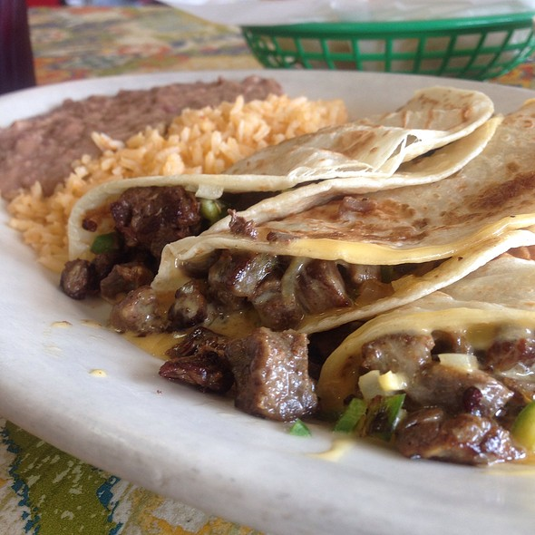 Tommy's Tacos @ Mi Sombrero