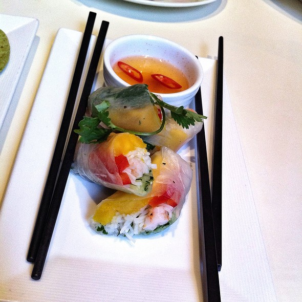Vietnamese Spring Rolls @ Element Fresh | 新元素