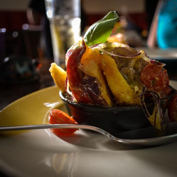 Nectarinas, Mangericão e Cebola @ Casa de Pasto Da Palmeira