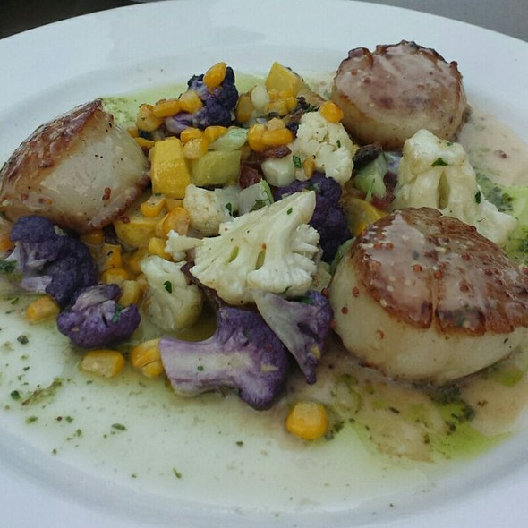 Seared Wild Scallops @ Park Avenue