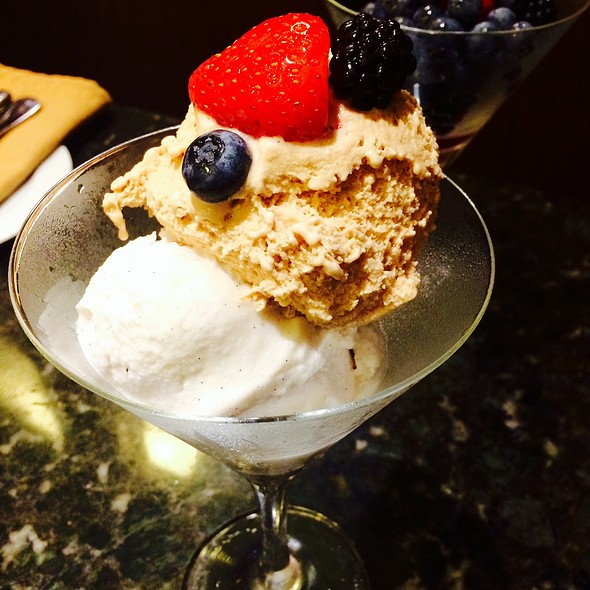 Salted Caramel with Vanilla Bean Ice Cream and Berries - Waterside Grill – Tampa Marriott Waterside, Tampa, FL
