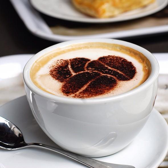 Cappuccino @ Costas
