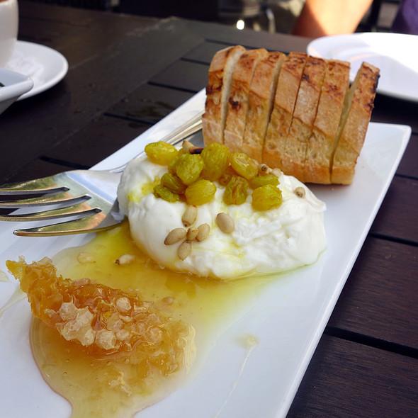 Crostini with Burrata, Rasins & Honey @ Chicago Cut Steakhouse