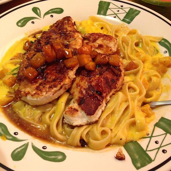 Chicken Butternut Squash Fettuccine @ Olive Garden