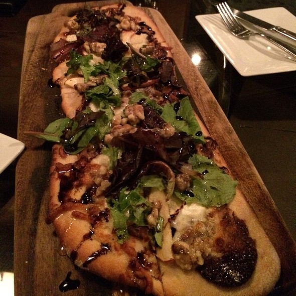 Fig & Apple Flatbread - Nosh Restaurant and Wine Lounge, Omaha, NE